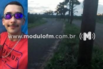 Motociclista morre após bater moto em coqueiro em Monte Carmelo