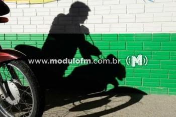 Motocicleta é furtada em Patrocínio