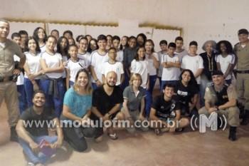 Alunos do Colégio Professor Olímpio dos Santos participam da...