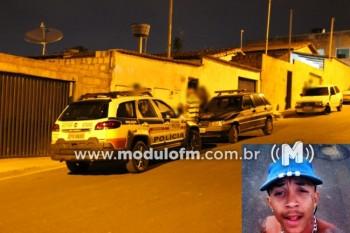 Jovem é morto com vários tiros no bairro Manuel...