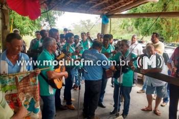 Encontro de Folias é realizado na Gruta de Santos...