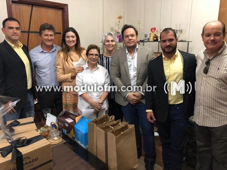 Ministra Tereza Cristina inaugura obra em Patos de Minas e se reúne com representantes da cafeicultura
