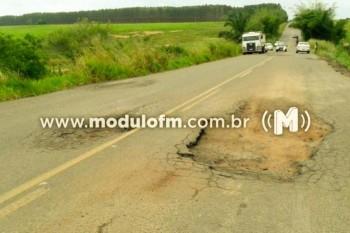 Péssimas condições da rodovia MGC-462 pode ter provocado mais...