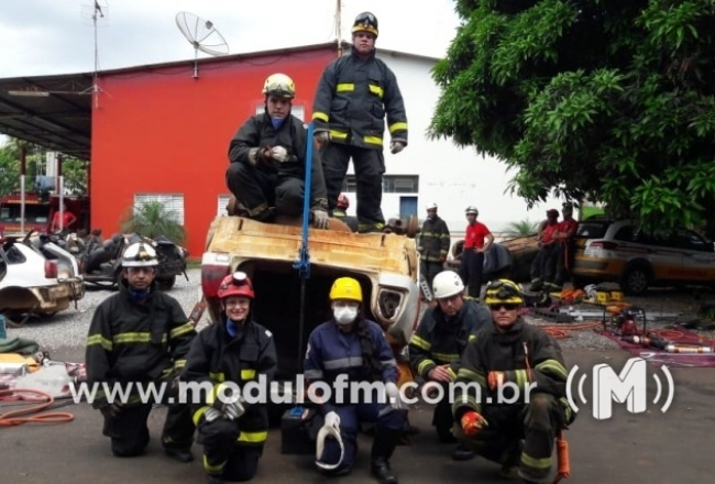 Corpo de Bombeiros realiza Curso de Salvamento Veicular em Patrocínio