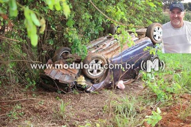 Homem de 43 anos morre após capotar veículo próximo a Serra do Salitre