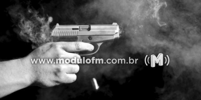 Jovem de 21 anos é baleado no bairro Manuel Nunes