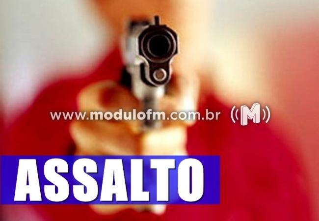 Bandidos assaltam restaurante em Salitre de Minas