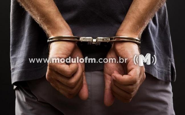 Menor é apreendido com drogas em residência do bairro Morada Nova