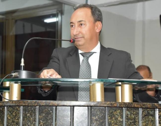 Reforma da quadra do Bairro Congonhas é reafirmada pelo vereador Fabinho Gasolina