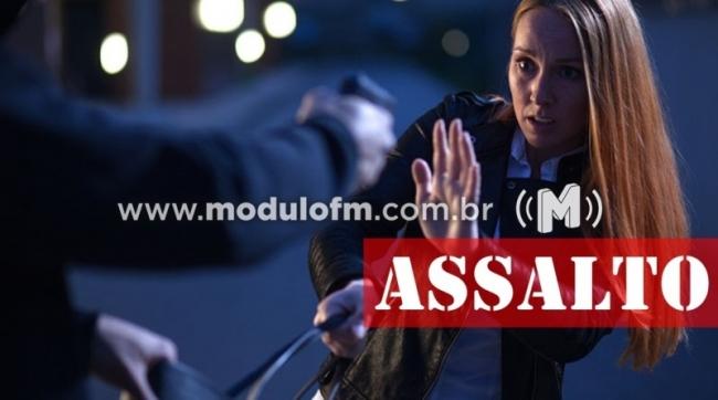 Mulher é assaltada e agredida enquanto caminhava no bairro São Judas