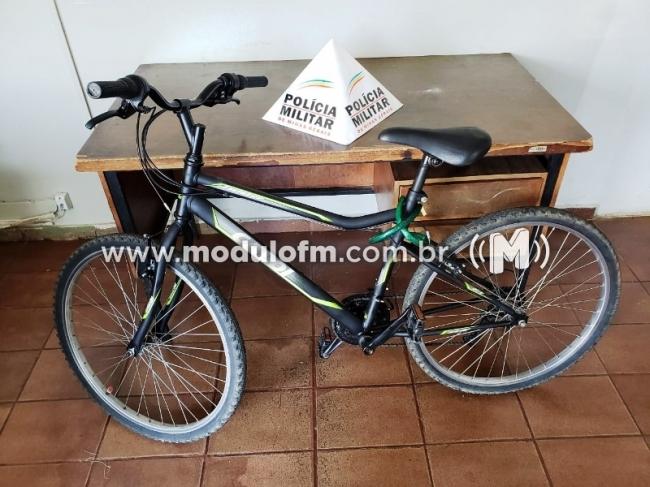 PM recupera bicicleta furtada, prende receptador e autor do...
