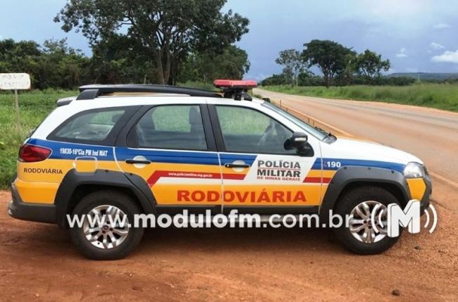 Motorista de 70 anos é preso ao ser flagrado com drogas na MGC-462