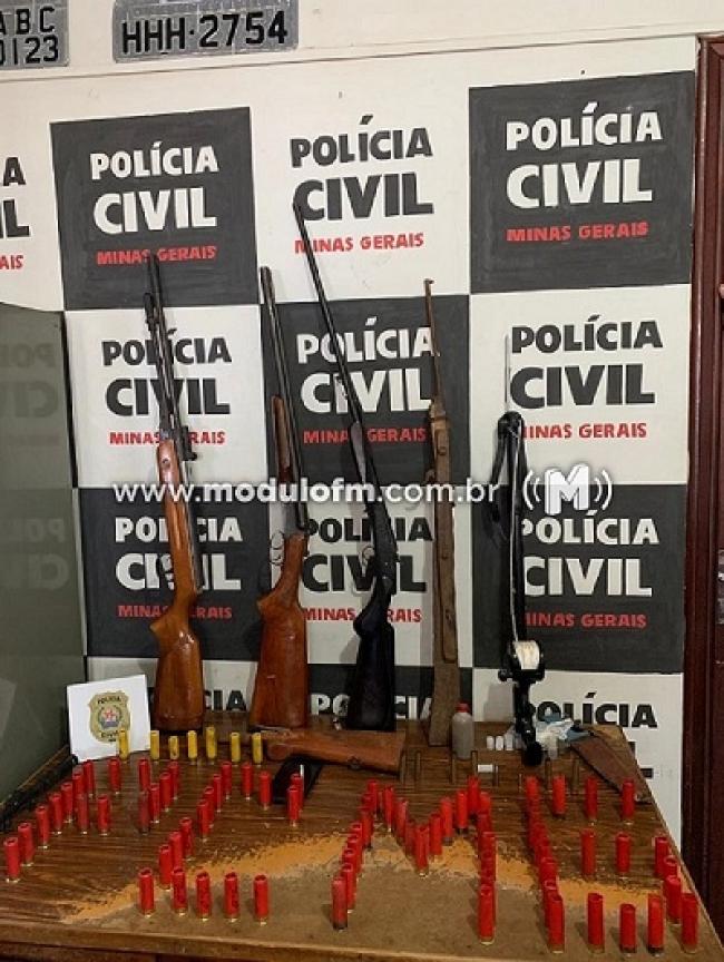Polícia Civil prende homem com armas e munições em...