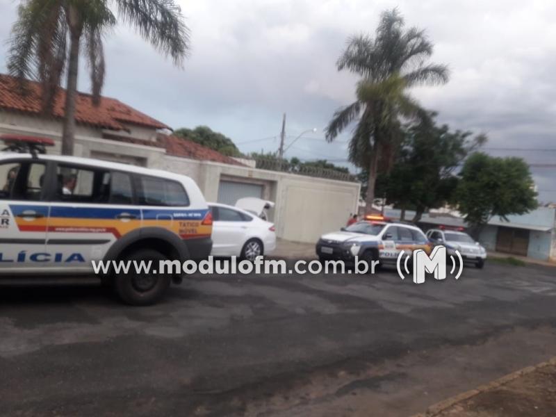 Acidente de trânsito termina com tiros e um homem é preso