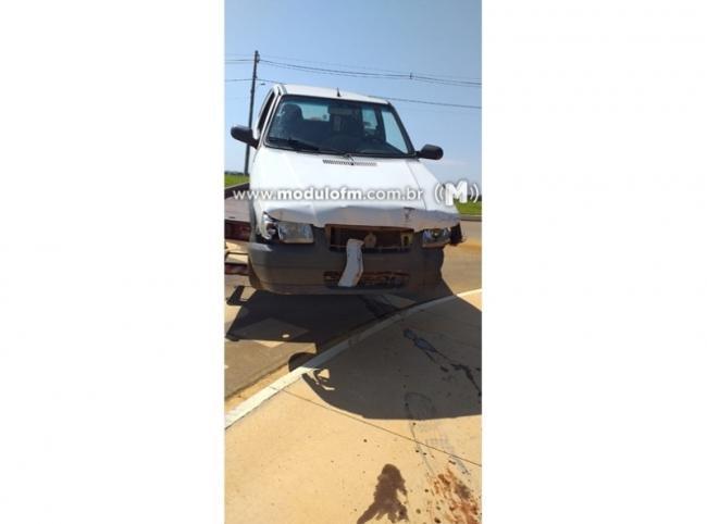 Veículo furtado é encontrado batido próximo ao Aeroporto
