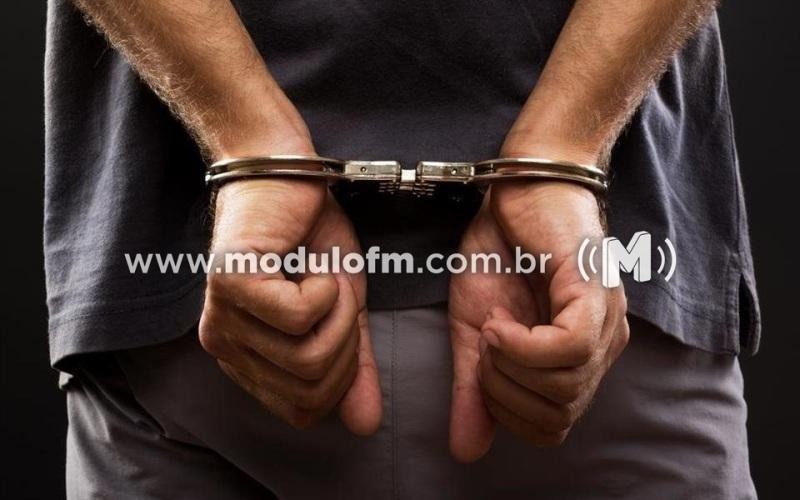 Após denúncia de um suposto estupro, PM prende foragido da justiça