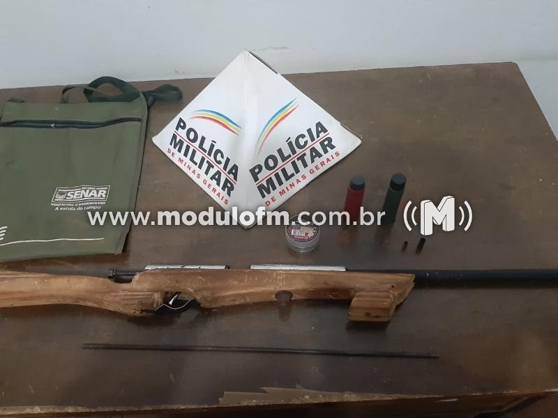 Homem é preso com arma artesanal no Distrito de Pântano