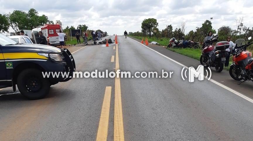 Imagem 6 do post Motociclista morre após colisão com caminhão e moto pega fogo na BR-365