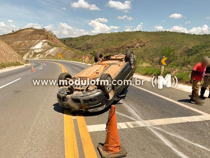 Veículo capota e motorista fica ferido na BR-146 em Serra do Salitre