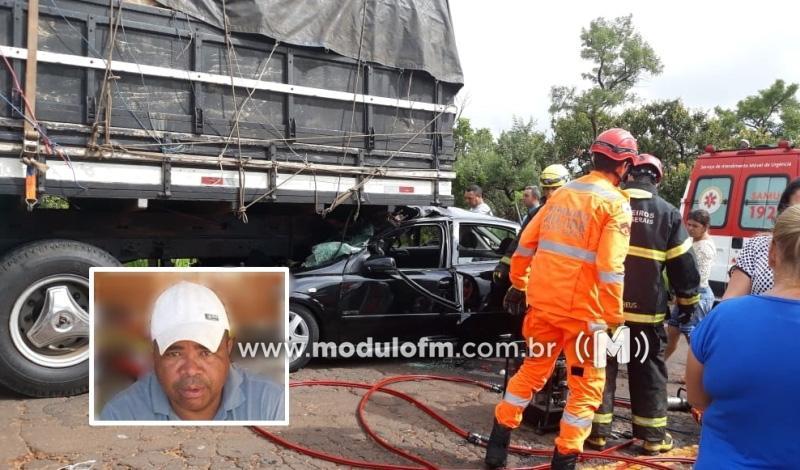 Colisão entre carro e caminhão mata um homem e deixa dois feridos na MG-190