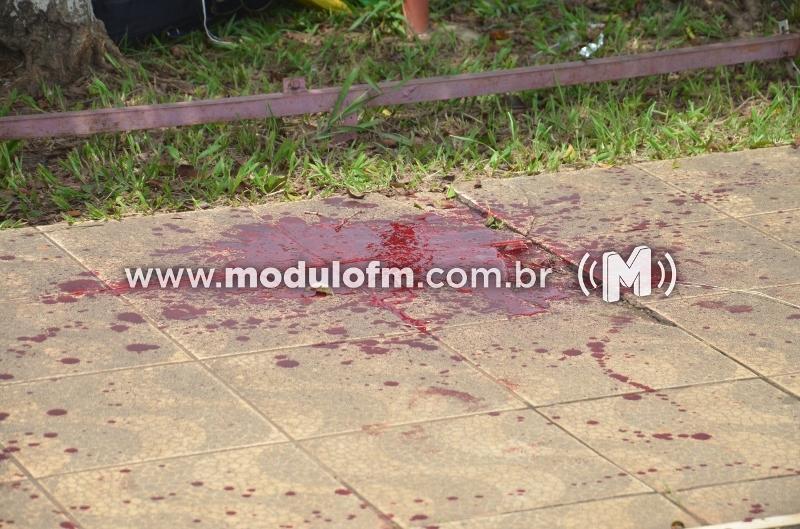 Briga entre andarilhos termina em esfaqueamento em Patrocínio