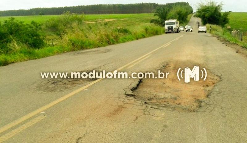 Péssimas condições da rodovia MGC-462 pode ter provocado mais um acidente