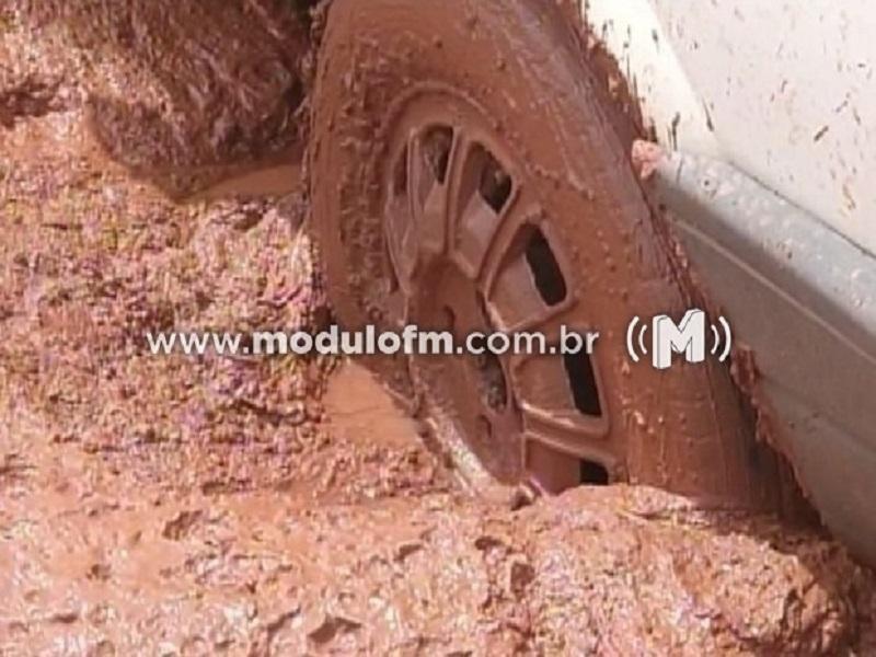 Secretaria de Obras trabalha com plantão para verificar situação de estradas rurais
