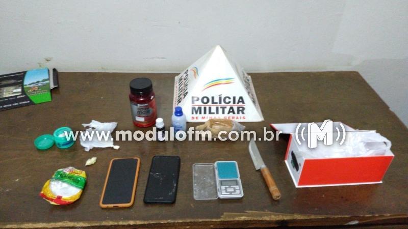 Dois homens são presos suspeitos de traficar drogas em residência no bairro São Cristóvão