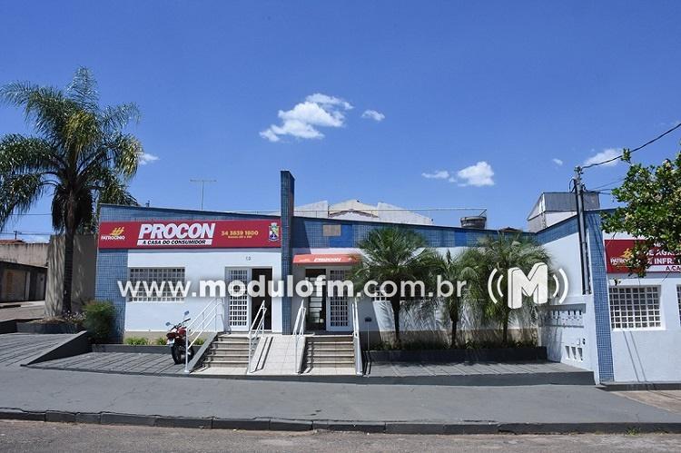PROCON recebe reclamações sobre operadoras de telefonia celular