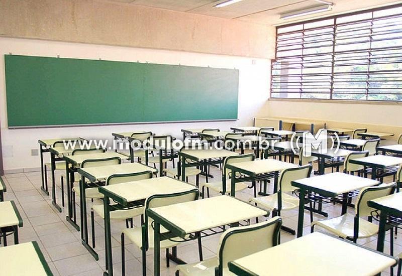 Professores da rede estadual entram em greve nesta terça-feira (11)