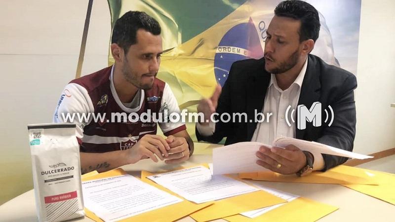 Vereador Ricardo Balila se reúne com deputado estadual Cleitinho Azevedo e apresenta situação de rodovias da região