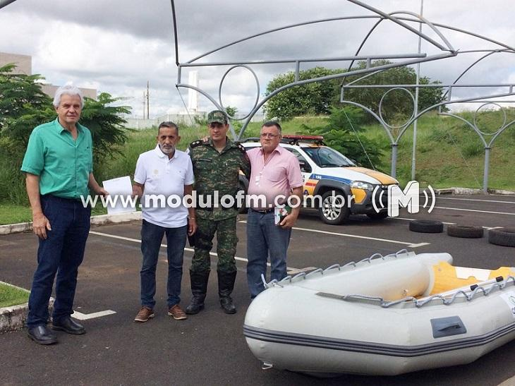 COOPA doa bote e equipamentos destinados a Polícia Ambiental