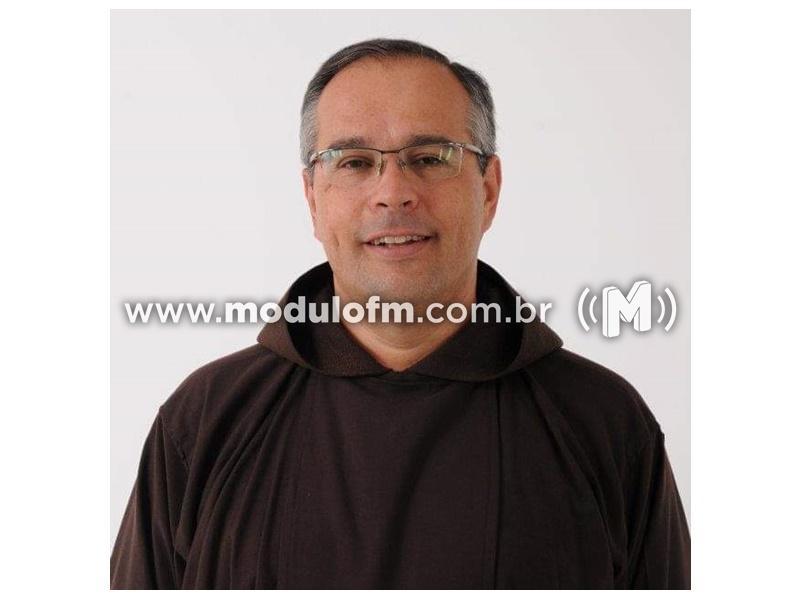 Frei Éderson Queiroz oferece roteiro de oração em família para os católicos que estão com as Celebrações das Missas suspensas