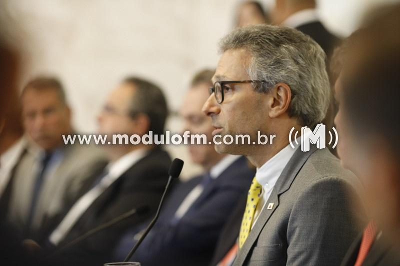 Governo de Minas cria Comitê Gestor contra coronavírus e suspende aulas da rede estadual