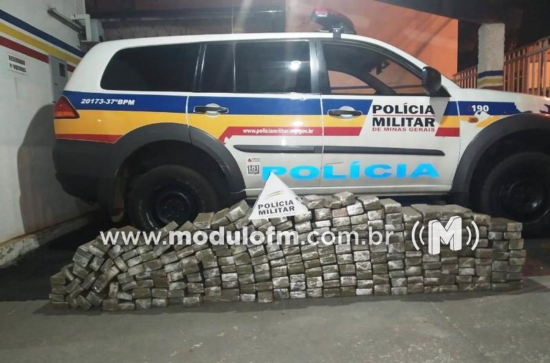 Após perseguição, PM apreende quase 150 kg de drogas carregadas em Patrocínio com destino a BH