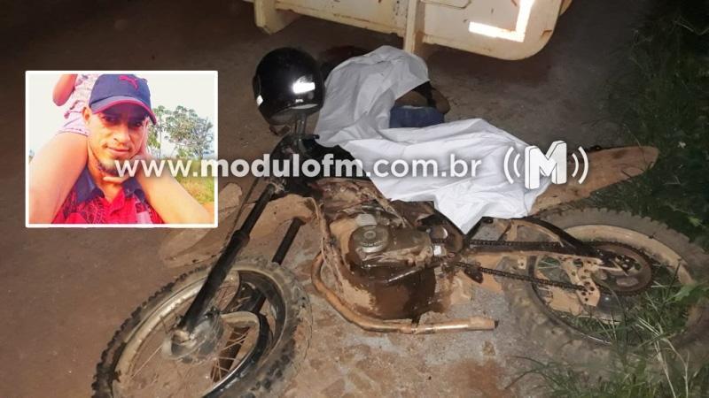 Sem capacete, motociclista morre após colidir em equipamento agrícola parado em Serra do Salitre