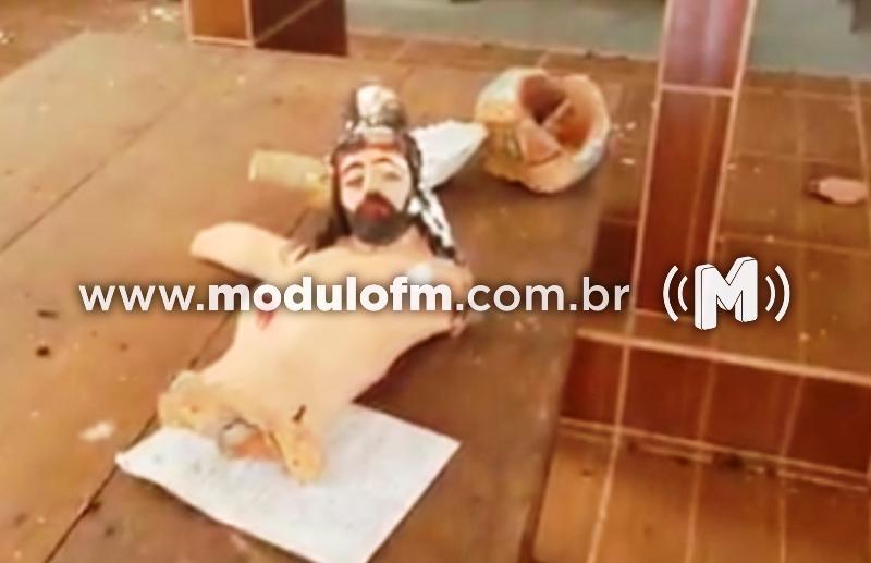 Veja o vídeo: Vândalos invadem igreja Católica e destroem imagens