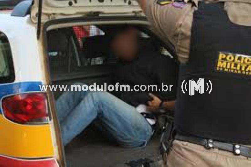 Foragido da Justiça é capturado pela PM durante blitz