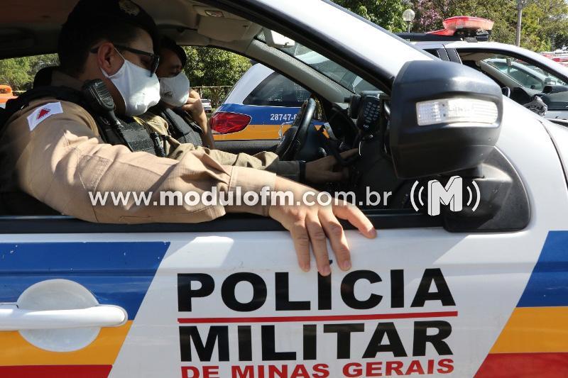 Casal é preso com drogas em veículo de transporte de aplicativo