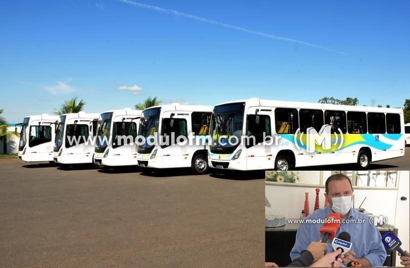 Prefeito diz que VIPA aumentará número de ônibus para evitar aglomerações