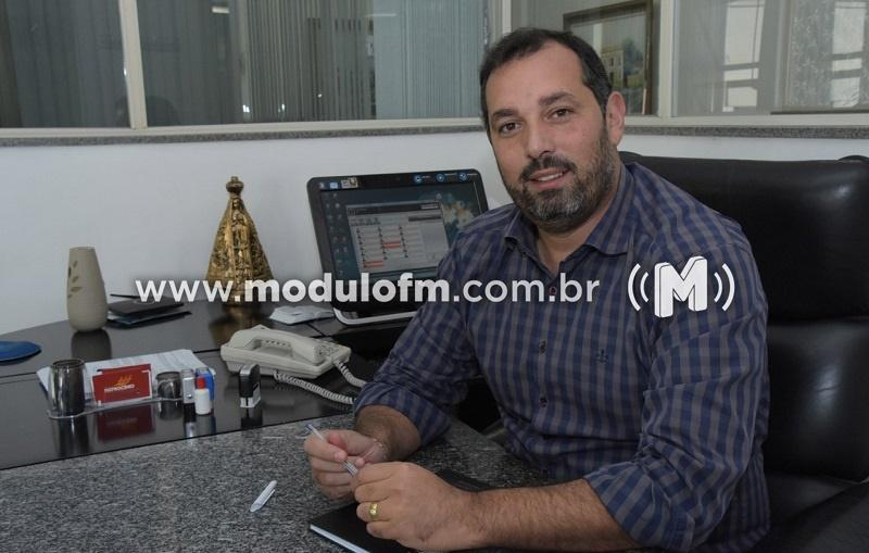 Secretário comenta possível colapso no sistema de saúde de Minas Gerais