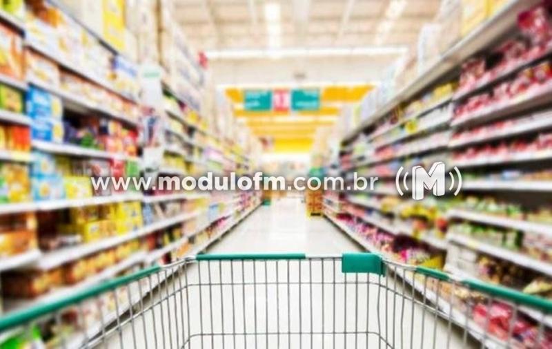 Casal é preso após furtar supermercado em Patrocínio