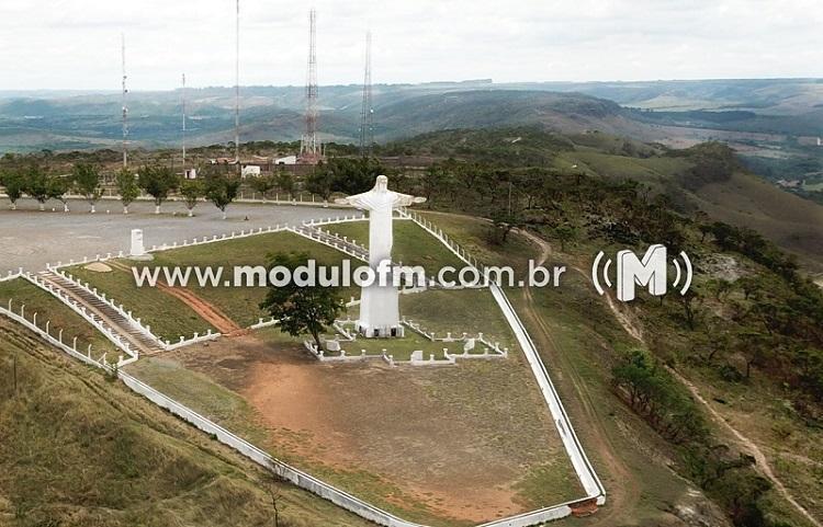 Secretaria inicia terraplanagem da estrada de acesso ao Cristo Redentor nesta semana