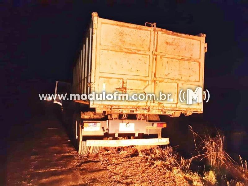 Caminhão tomado de assalto em Patrocínio é encontrado