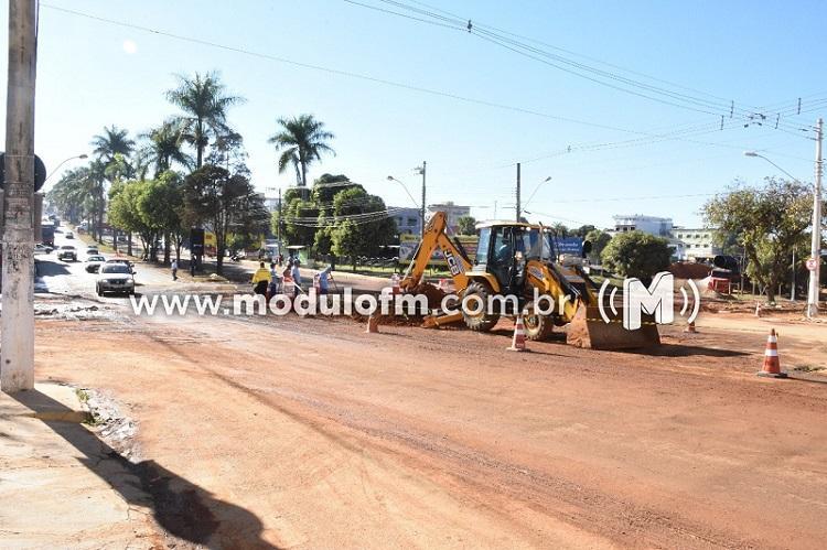 Com rotatória retirada, SESTRAN fará instalação de semáforos no cruzamento da Faria Pereira com Avenida João Alves