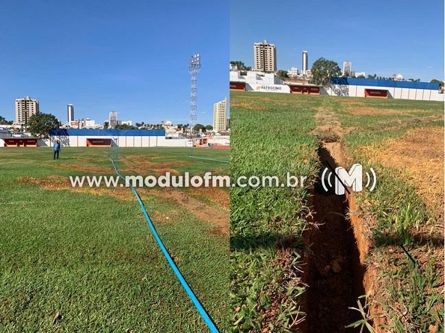 Gramado do Estádio Júlio Aguiar passa por reforma para...