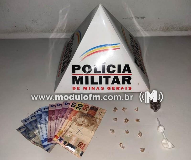 Homem é preso com drogas no bairro Marciano Brandão