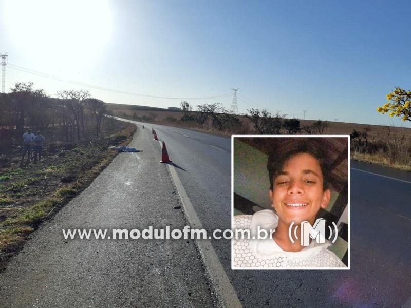 Jovem ciclista é atropelado e morto por veículo ao cruzar a BR-365