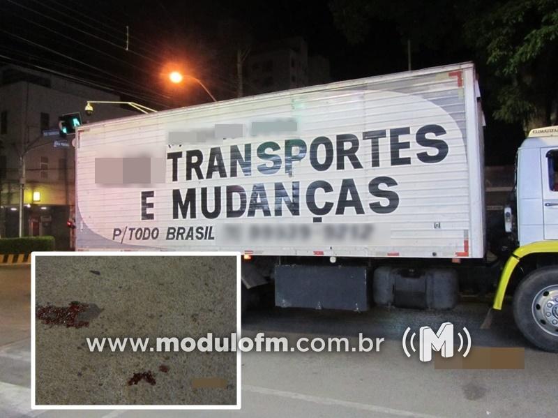 GPS orienta caminhoneiro a convergir em cruzamento proibido e causa acidente em Patrocínio