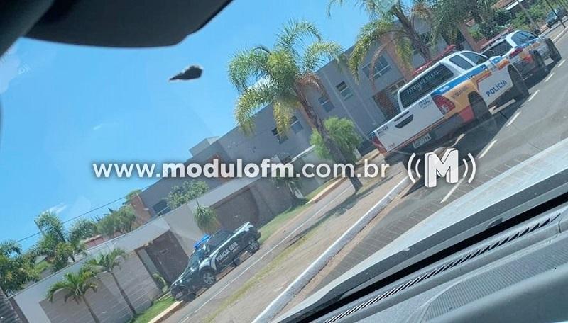Polícia localiza caminhonete e arma de Jorge Marra em casa do ex-prefeito de Perdizes
